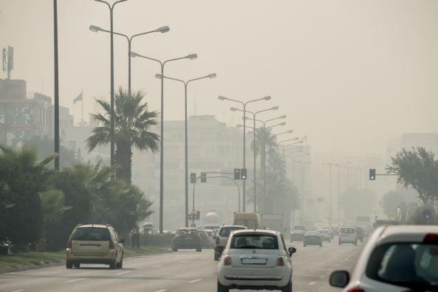 «Εκρηκτικό» κοκτέιλ λόγω φωτιάς και καύσωνα – Αποπνικτική η ατμόσφαιρα – Τι πρέπει να προσέξετε