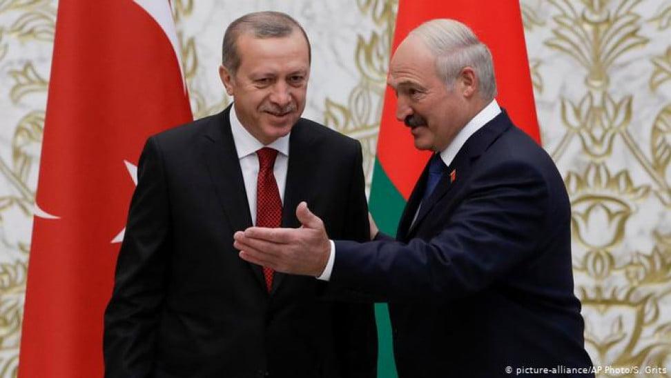 Η Ε.Ε. επιβάλλει κυρώσεις στον Λουκασένκο, εκλιπαρεί και δίνει δισεκατομμύρια ευρώ στον Ερντογάν