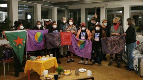 Οι Κούρδισσες και οι γυναίκες των Ζαπατίστα συναντιούνται στη Φρανκφούρτη