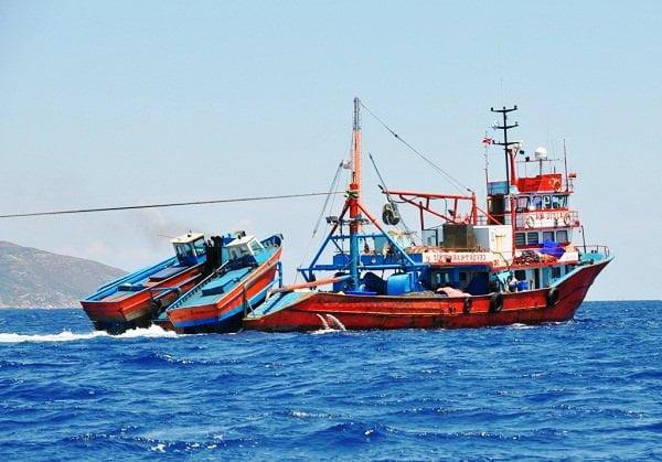 Τα τουρκικά αλιευτικά εγγράφουν υποθήκες στο Αιγαίο