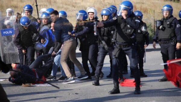 1.098 υπερασπιστές των ανθρωπίνων δικαιωμάτων συνελήφθησαν στην Τουρκία σε έξι μήνες