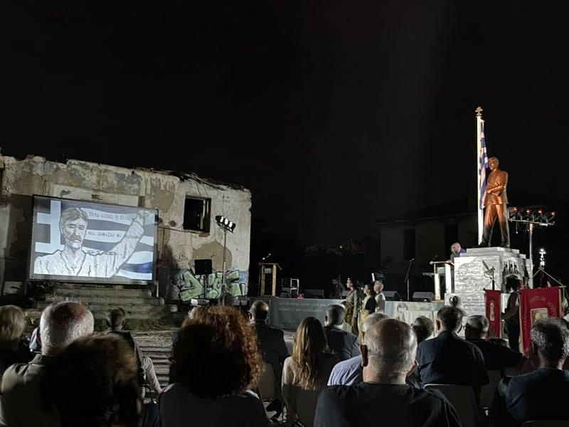 Ένα βίντεο που πρέπει να δείτε! Τελετή αποκαλυπτηρίων αγάλματος Νίκου Καπετανίδη στον Δήμο Παύλου Μελά