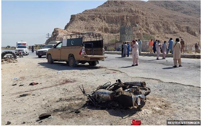 Άρχισαν τα… όργανα και στο Πακιστάν – Τέσσερις νεκροί σε επίθεση βομβιστή καμικάζι των Ταλιμπάν του Πακιστάν