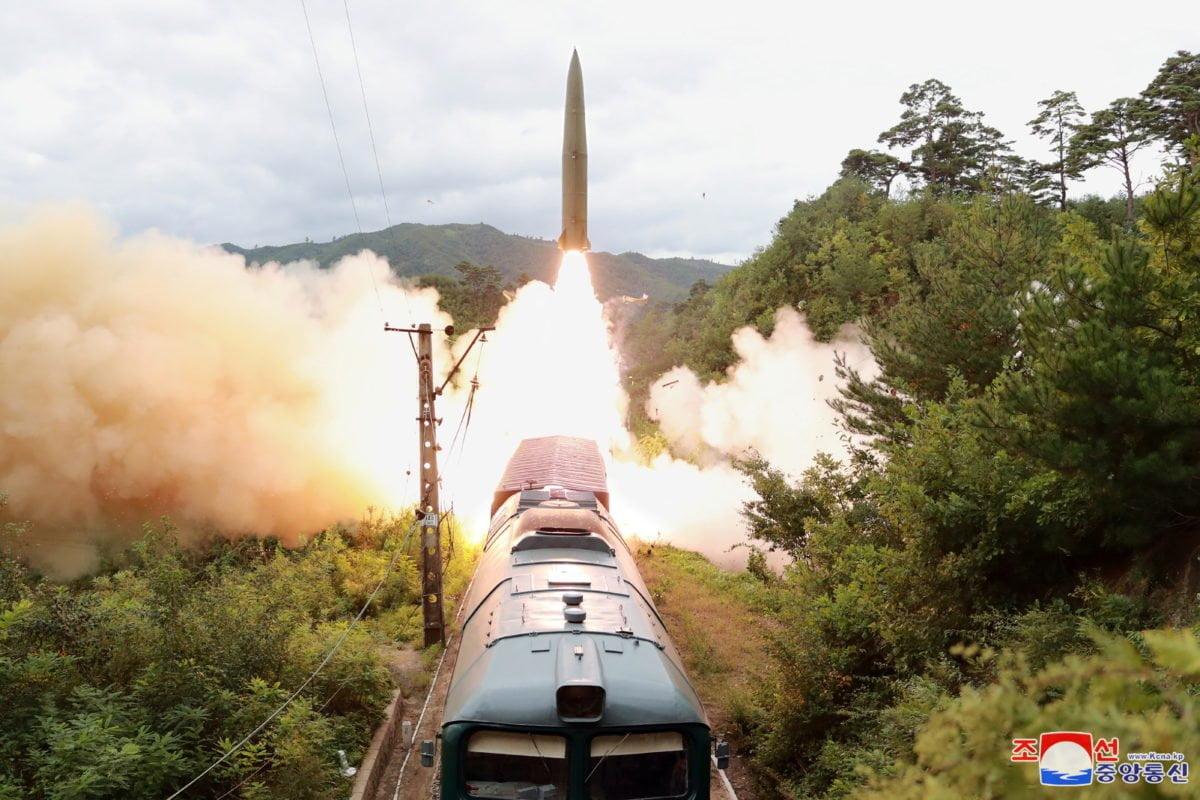 Οι νέοι πύραυλοι του Κιμ Γιονγκ Ουν και ο Μπάιντεν