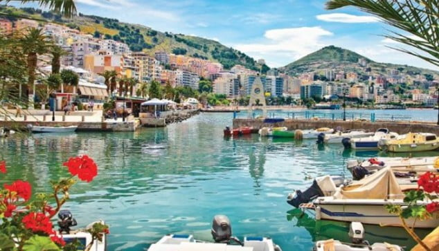 Ένα βιβλίο για την ελληνικότητα της πόλης των Αγίων Σαράντα