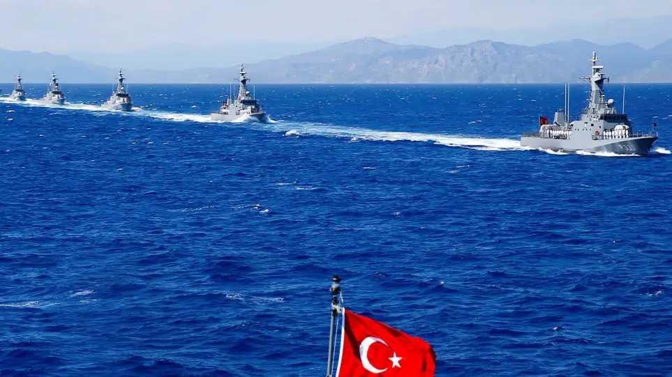 Στα 10 μίλια από την Κρήτη έφτασαν τα τουρκικά πλοία – Χάρτη παρουσίασε ο Δένδιας στους Ευρωπαίους ΥΠΕΞ