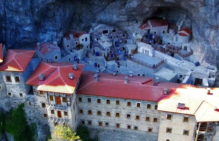 Τουρκία: Το άνοιγμα της Παναγίας Σουμελά «ανέβασε» τον τουρισμό της Τραπεζούντας