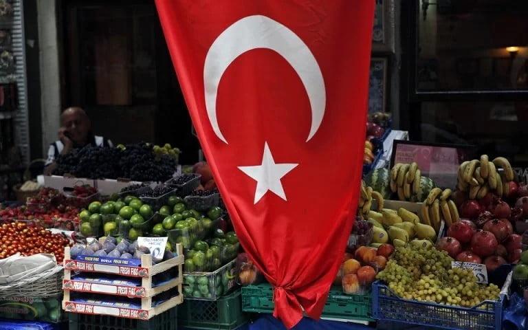 Τουρκία: «Εκστρατεία» των αρχών κατά των υψηλών τιμών στα σούπερ μάρκετ