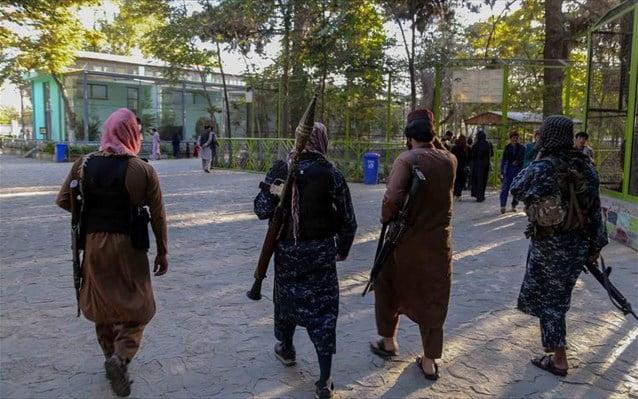 Κόντρα και στις τεχνολογικές συνήθειες! «Λιγότερες selfies» λέει η ηγεσία των Ταλιμπάν στους μαχητές