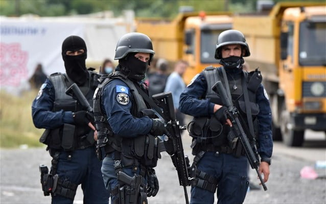 Σερβία-Κόσοβο: Πόλεμος νεύρων με αστυνομία, στρατό και πολεμική αεροπορία