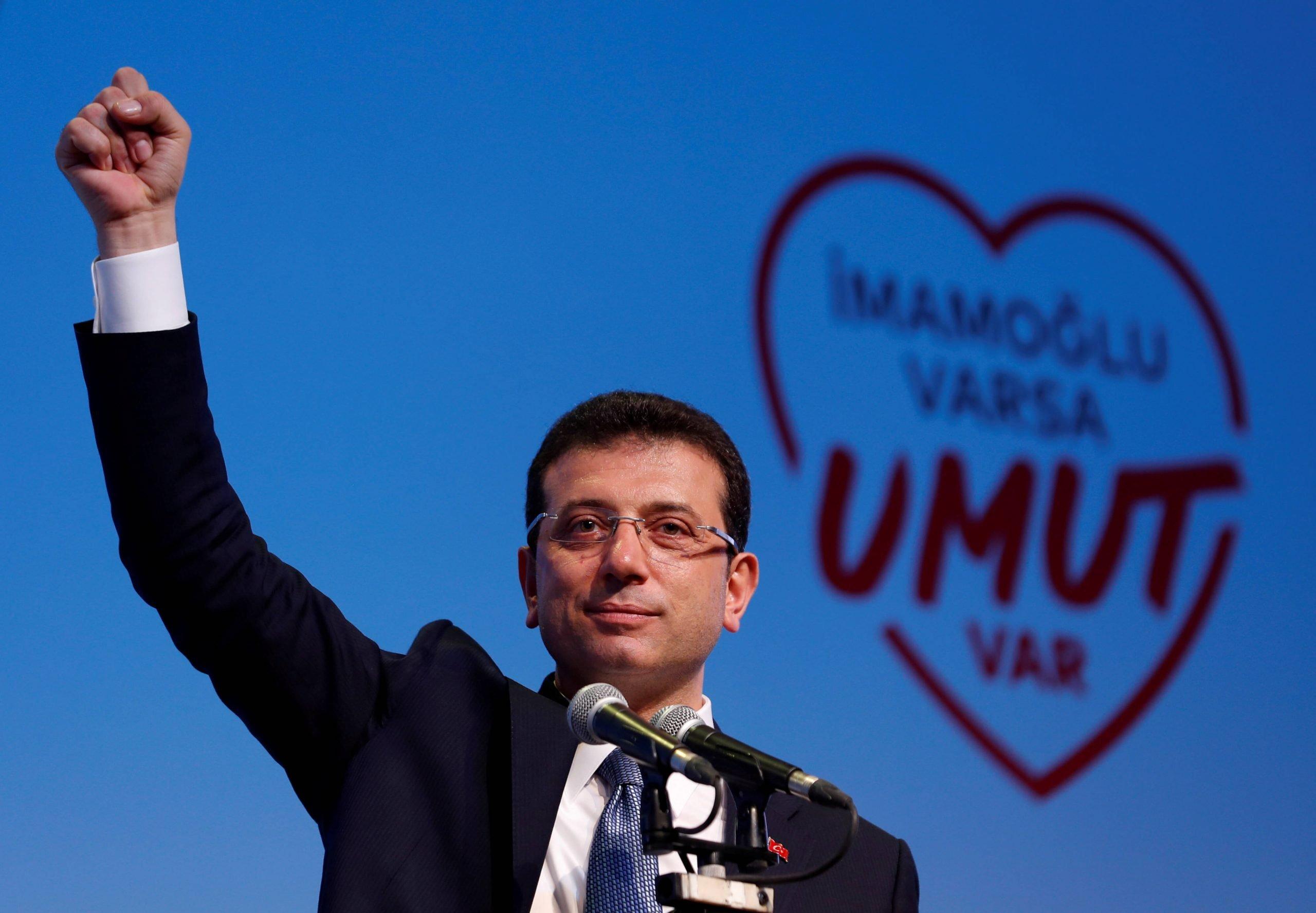 Εκρέμ Ιμάμογλου: Ο άνθρωπος που «νίκησε» τον Ερντογάν, στην Αθήνα