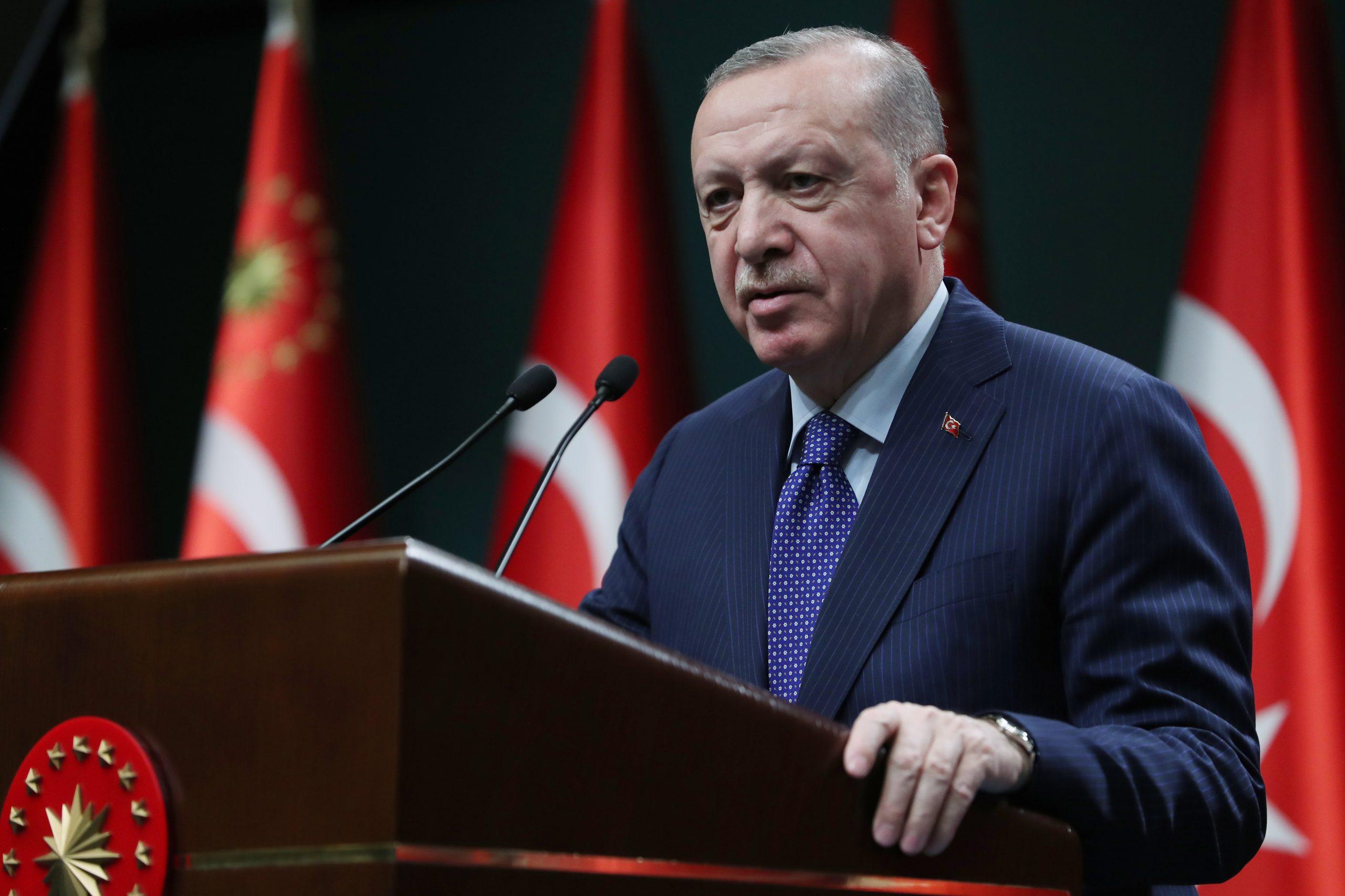 """Επιθετική στάση Ερντογάν απέναντι στις ΗΠΑ: """"Ας μας πουν γιατί πήγαν στο Αφγανιστάν πριν 20 χρόνια"""""""