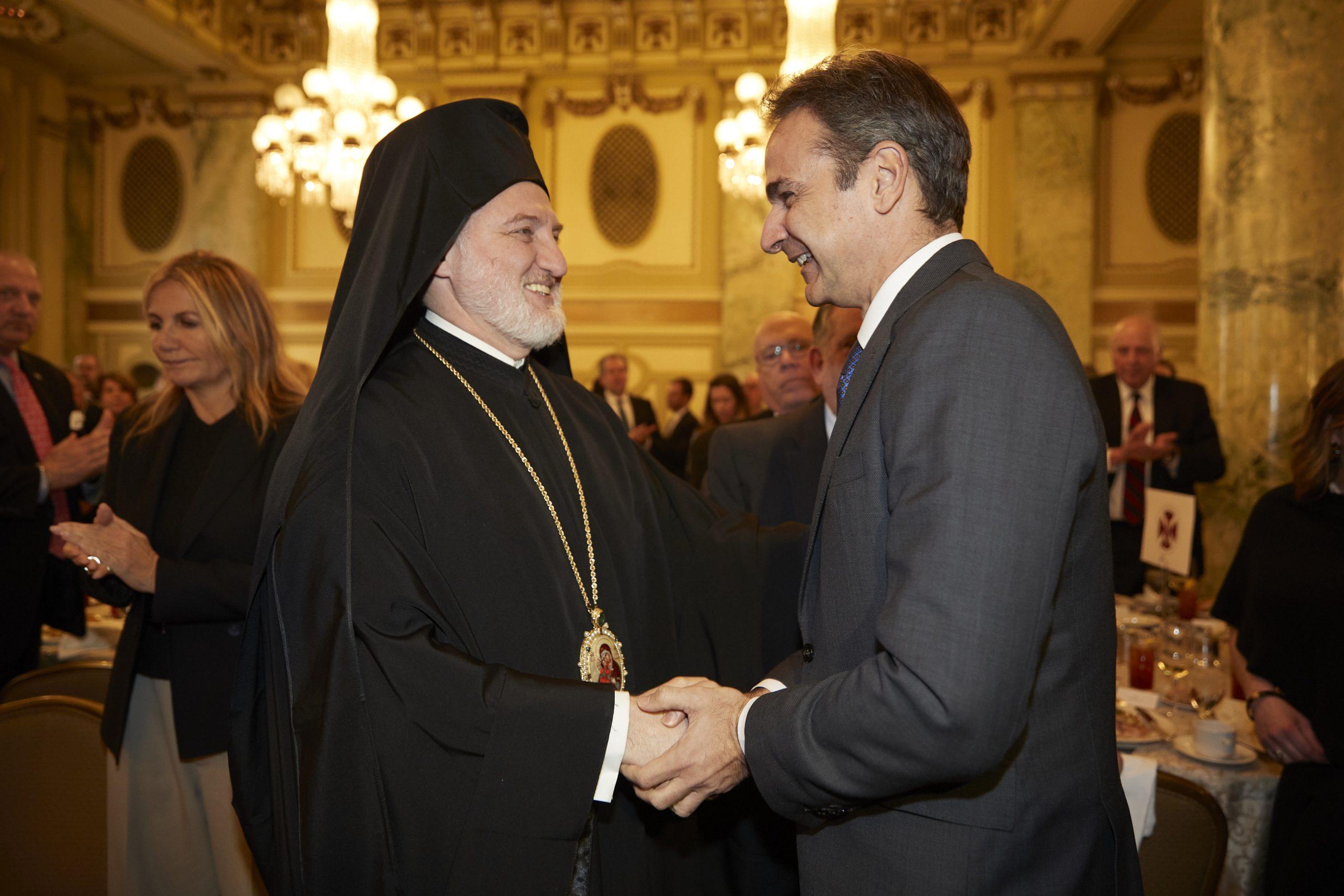 """""""Μύλος"""" λόγω της παρουσίας του Αρχιεπισκόπου Αμερικής δίπλα σε Ερντογάν-Τατάρ! Θα συναντηθεί με Μητσοτάκη;"""